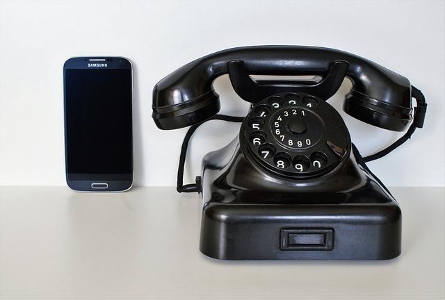 retro telefon a mobil