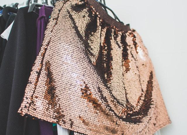 Oblečení v šatníku.jpg