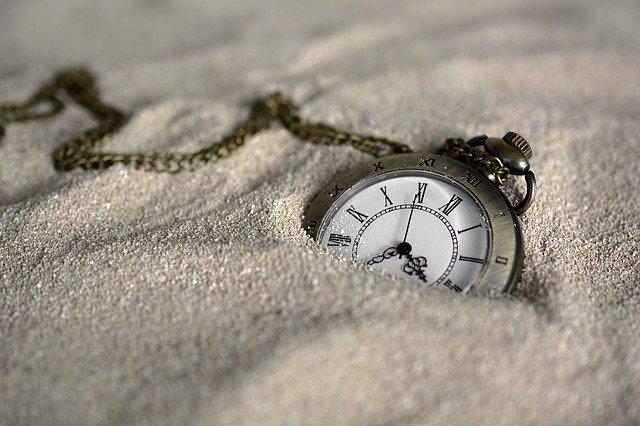 hodiny v písku