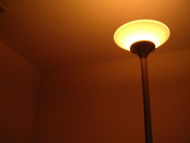 LED svítidlo v ložnici.jpg