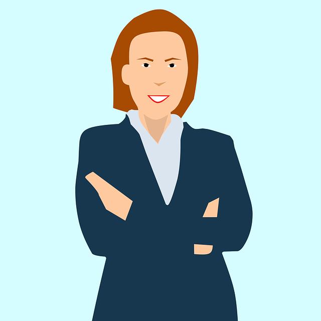 kreslená mladá právnička, smějící se do objektivu
